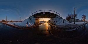 Закат под мостом